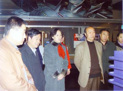 太原科协组织科技人员来我馆参观煤变油技术