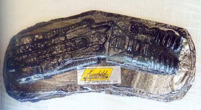 国际友人赠送的煤精雕刻品·德国刨煤机