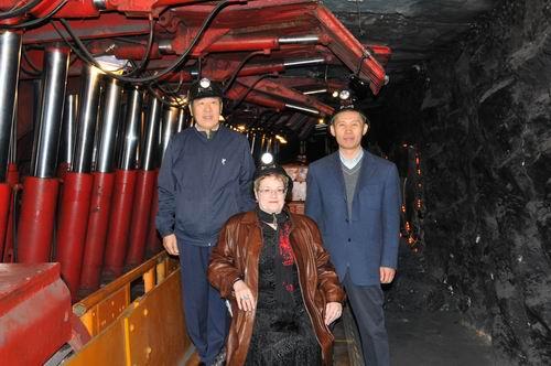 英国国家煤矿博物馆馆长玛格丽特福乐女士参观中国煤炭博物馆基本陈列——模拟矿井