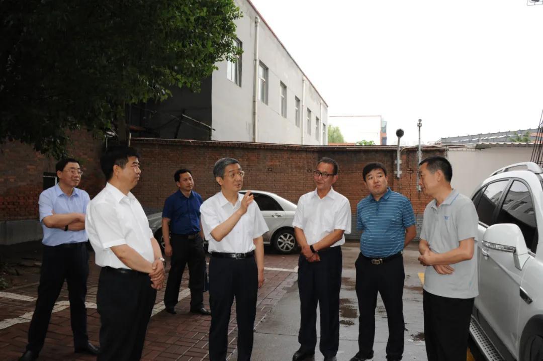 山西焦煤集团董事长赵建泽在山西统配煤矿综